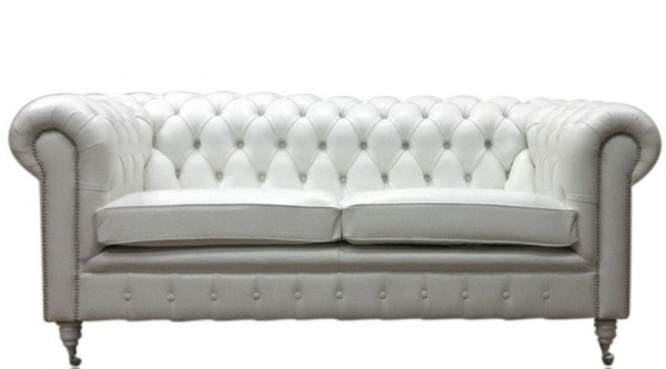 Chesterfield traditional single buttoned on castor legs