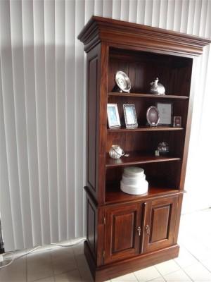 boekenkast mahonie hout